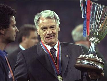1996年,博比·罗布森接替约翰·克鲁伊夫,成为巴塞罗那队主教练.