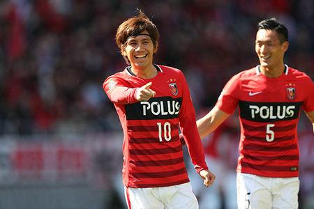 排名次席的川崎前锋也取得胜利,他们在客场1-0击败大阪钢巴,送给对手