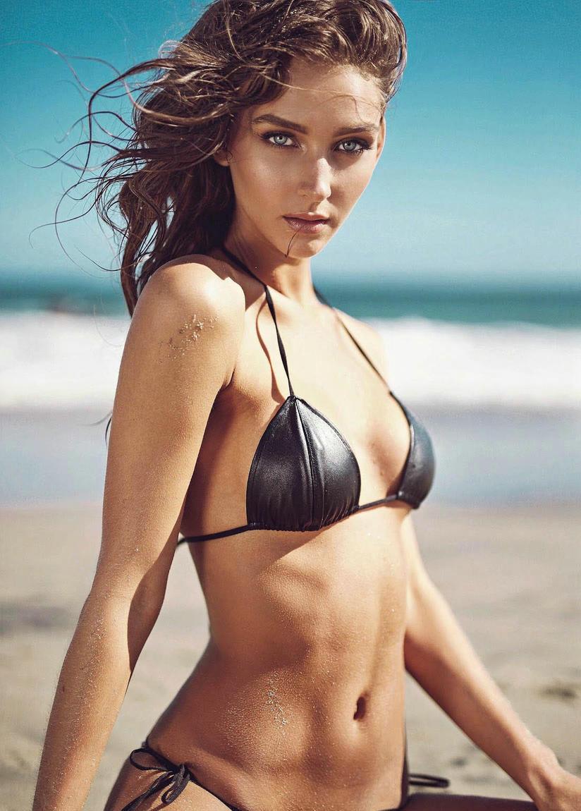 美国时装模特瑞秋-库克(rachel cook)海滩泳装秀,性感出镜妩媚惹火.