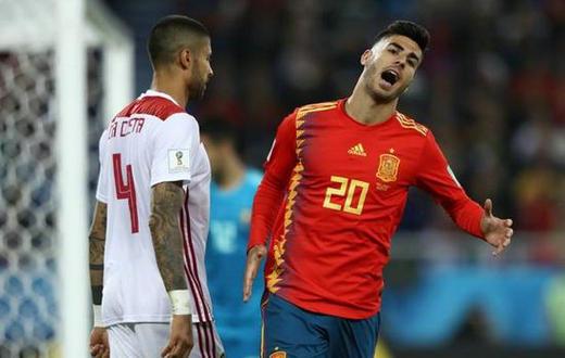 足球 英超 >> 正文   在皇马与曼联的热身赛后,阿森西奥做出非常不