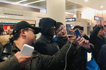 伊哈洛已抵达上海!申花俱乐部高层接机